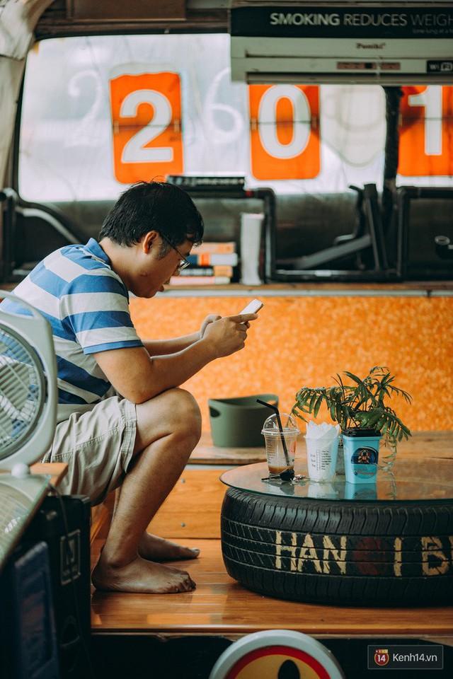Phát hiện quán cà phê bus cực nhiều góc sống ảo ngay tại Hà Nội cho những ai còn băn khoăn cuối tuần không biết đi đâu - Ảnh 7.