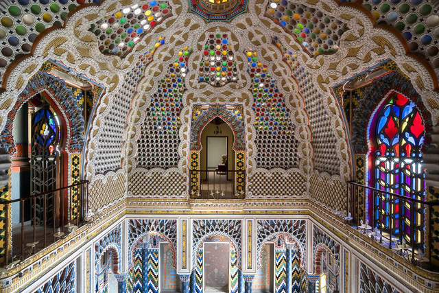 Cùng ngắm nhìn vẻ đẹp ma mị của 25 toà lâu đài và biệt thự bỏ hoang ở châu Âu - Ảnh 1.