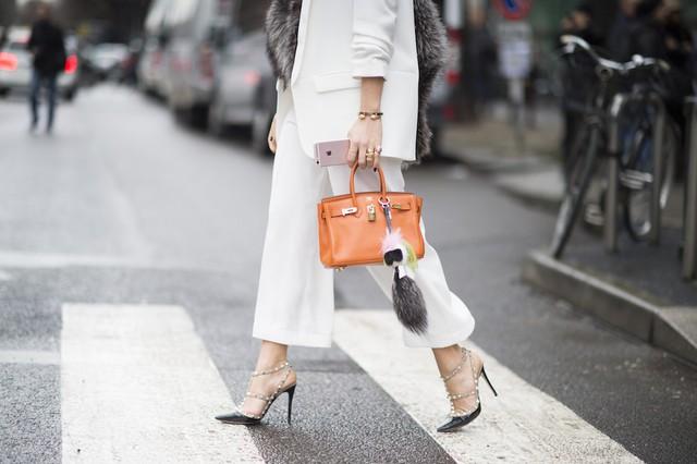 Louis Vuitton, Hermès và câu chuyện hàng hiệu đích thực - Ảnh 4.