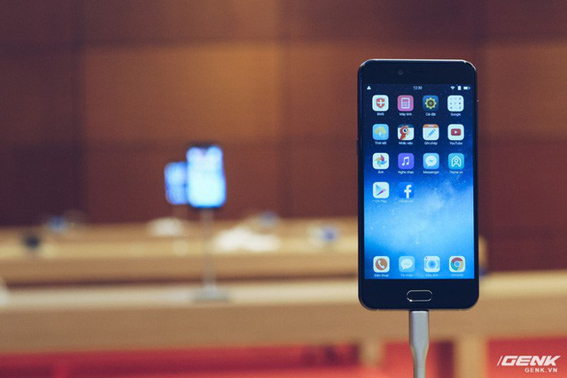 Chúc mừng sinh nhật Bphone 2017: Nhìn lại 1 năm smartphone chất của BKAV - Ảnh 2.