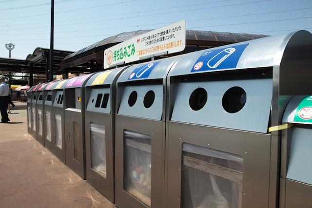 Nếu đi du lịch Nhật Bản bạn sẽ bất ngờ vì rất khó tìm thùng rác nơi công cộng và đây là lý do - Ảnh 1.