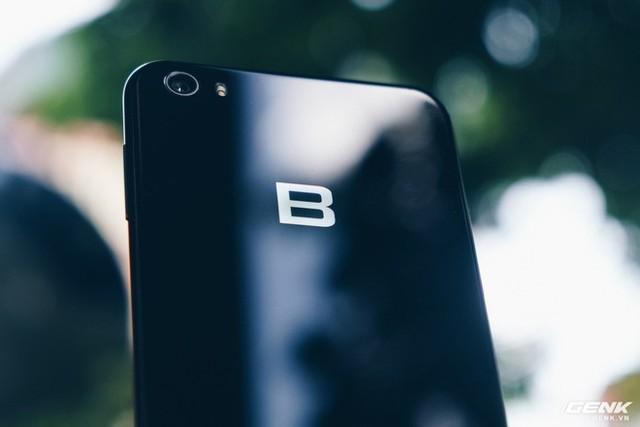 Chúc mừng sinh nhật Bphone 2017: Nhìn lại 1 năm smartphone chất của BKAV - Ảnh 4.