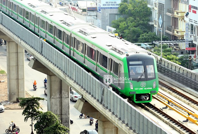 Clip: Hành trình 15 phút đoàn tàu đường sắt trên cao lao vun vút từ ga Cát Linh tới Yên Nghĩa - Ảnh 3.