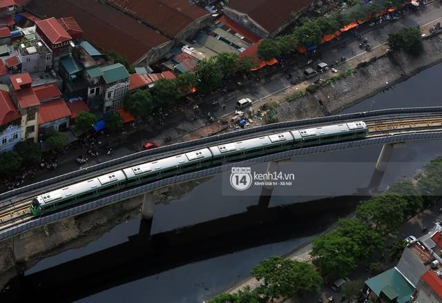 Clip: Hành trình 15 phút đoàn tàu đường sắt trên cao lao vun vút từ ga Cát Linh tới Yên Nghĩa - Ảnh 11.