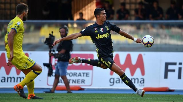 đầu tư giá trị - photo 2 1535774322842876059846 - Nike dựng biển quảng cáo dày đặc chữ để tôn vinh Ronaldo và câu kết đầy bất ngờ