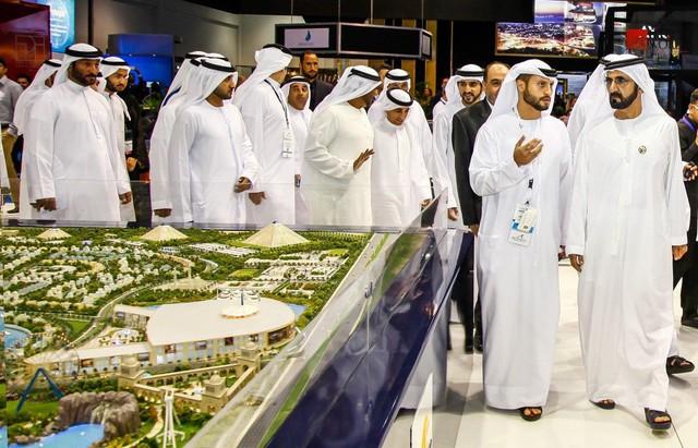 Nhà vua đích thân vi hành, sa thải ngay lập tức quan chức đi làm muộn: Bí mật nhỏ bé biến Dubai từ sa mạc hoang vu thành cường quốc giàu có đáng kinh ngạc - Ảnh 4.