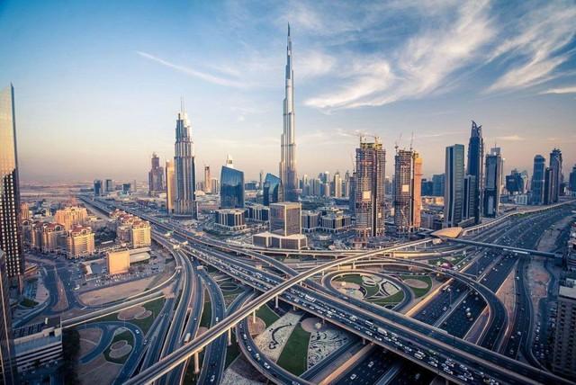 Nhà vua đích thân vi hành, sa thải ngay lập tức quan chức đi làm muộn: Bí mật nhỏ bé biến Dubai từ sa mạc hoang vu thành cường quốc giàu có đáng kinh ngạc - Ảnh 5.