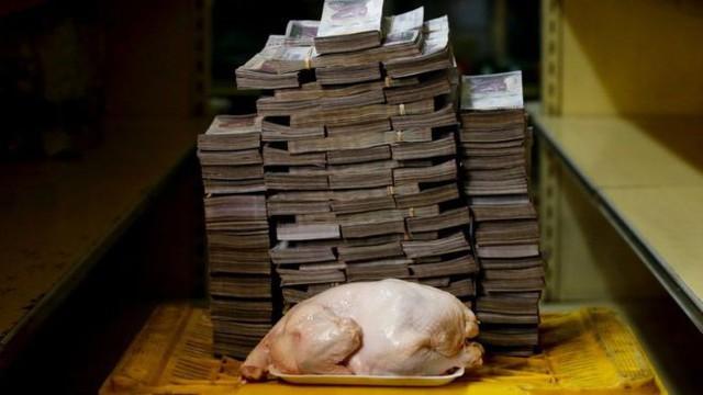 Khủng hoảng kinh tế, Venezuela quyết định phá giá đồng nội tệ sau 15 năm duy trì chính sách - Ảnh 1.