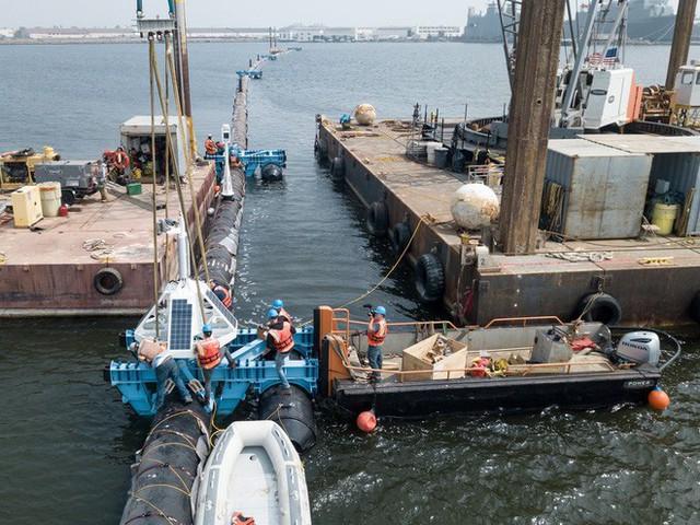 Hệ thống đầu tiên của dự án dọn rác biển The Ocean Cleanup đã chính thức ra khơi, đây là những hình ảnh về nó - Ảnh 5.