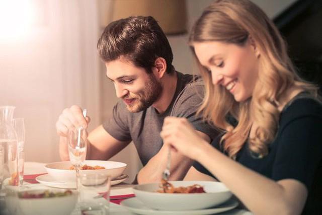 7 thói quen ăn uống dễ gây bệnh ung thư hầu hết ai cũng mắc phải: Ngay từ hôm nay, hãy tránh xa còn kịp! - Ảnh 6.