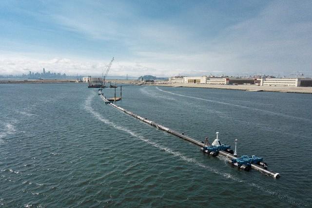 Hệ thống đầu tiên của dự án dọn rác biển The Ocean Cleanup đã chính thức ra khơi, đây là những hình ảnh về nó - Ảnh 10.