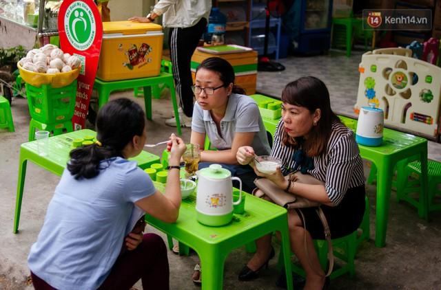 Câu chuyện về người con đặc biệt của vợ chồng thạc sỹ bán chè Sài Gòn: Sự nghiệp có thể làm lại, nhưng con cái thì bố mẹ không có cơ hội thứ 2 - Ảnh 5.