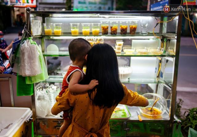 Câu chuyện về người con đặc biệt của vợ chồng thạc sỹ bán chè Sài Gòn: Sự nghiệp có thể làm lại, nhưng con cái thì bố mẹ không có cơ hội thứ 2 - Ảnh 6.