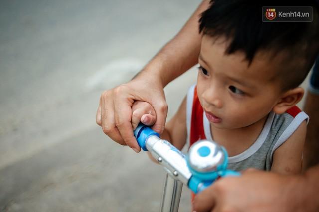Câu chuyện về người con đặc biệt của vợ chồng thạc sỹ bán chè Sài Gòn: Sự nghiệp có thể làm lại, nhưng con cái thì bố mẹ không có cơ hội thứ 2 - Ảnh 10.