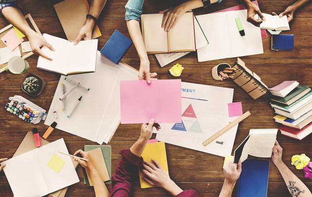 Muốn nhân viên bớt ngậm hột thị, nghĩ ra nhiều ý tưởng, khi họp sếp cần làm điều sau - Ảnh 1.