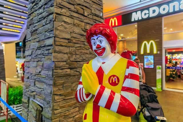 Mở một nhà hàng nhượng quyền McDonalds, KFC, Pizza Hut... phải bỏ ra bao nhiêu tiền? - Ảnh 2.