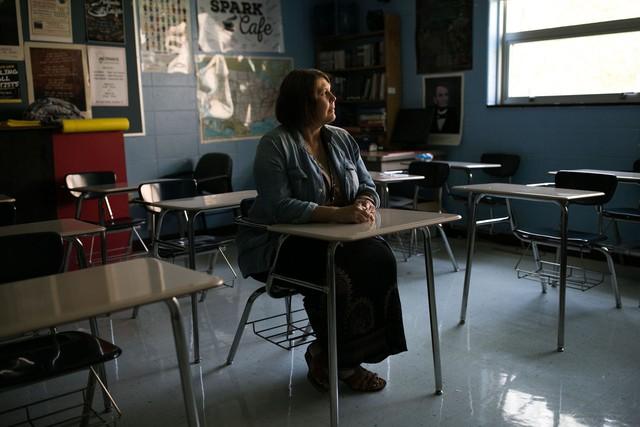 Đây là cuộc sống nếu bạn trở thành một giáo viên tại Mỹ: Tôi làm 3 công việc và hiến máu để chi trả hóa đơn hàng ngày - Ảnh 1.