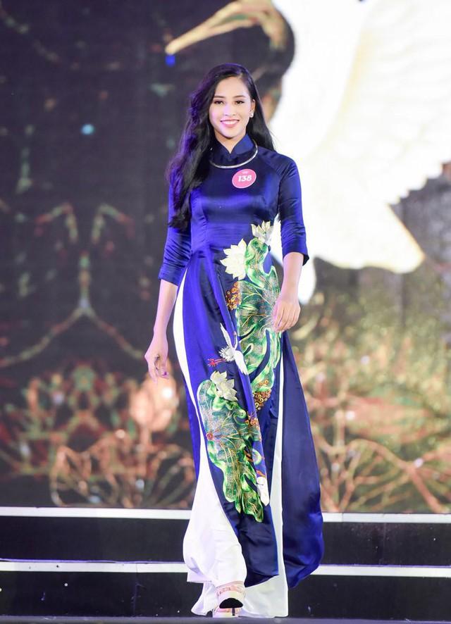 Hành trình nhan sắc của Trần Tiểu Vy toả sáng đến ngôi vị Hoa hậu Việt Nam 2018 - Ảnh 5.
