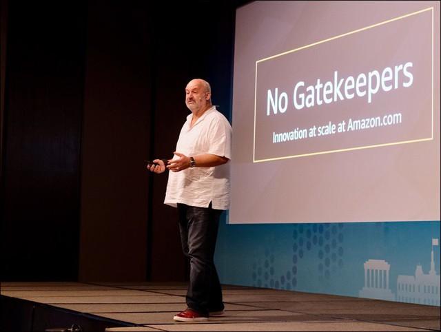 đầu tư giá trị - photo 1 1537438020503434279610 - Amazon.com và câu chuyện sáng tạo, chấp nhận bị hiểu sai, để trở thành doanh nghiệp ngàn tỷ USD