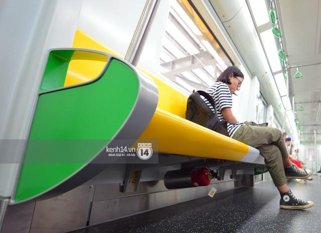 Ảnh, clip: Trải nghiệm bên trong đoàn tàu đường sắt trên cao Cát Linh - Hà Đông ngày chính thức chạy thử - Ảnh 13.