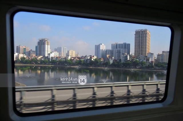 Ảnh, clip: Trải nghiệm bên trong đoàn tàu đường sắt trên cao Cát Linh - Hà Đông ngày chính thức chạy thử - Ảnh 16.