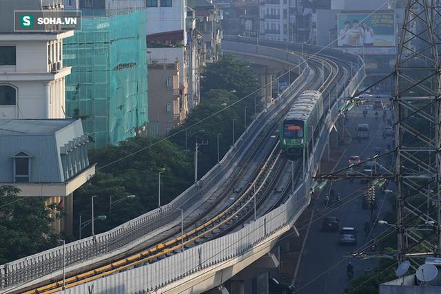 13 đoàn tàu đường sắt Cát Linh - Hà Đông đang chạy thử trong sáng nay - Ảnh 16.
