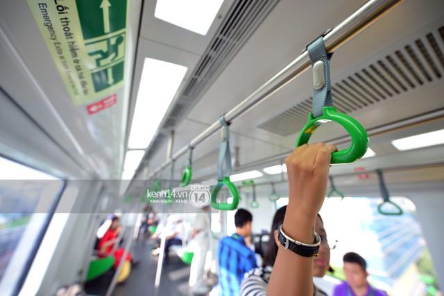 Ảnh, clip: Trải nghiệm bên trong đoàn tàu đường sắt trên cao Cát Linh - Hà Đông ngày chính thức chạy thử - Ảnh 10.