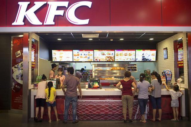 """đầu tư giá trị - photo 3 15375252779781840340136 - Góc nhìn thú vị lý giải thất bại của Mc Donald's và Burger King tại Việt Nam của tạp chí Mỹ: """"Sao phải ăn burger khi Việt Nam đã có Phở?"""""""