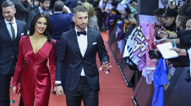 """đầu tư giá trị - photo 10 15377524963461849219582 - Beckham và Victoria là quá khứ rồi, đây mới là 4 cặp đôi với gu thời trang """"bá đạo"""" trong mùa World Cup 2018"""