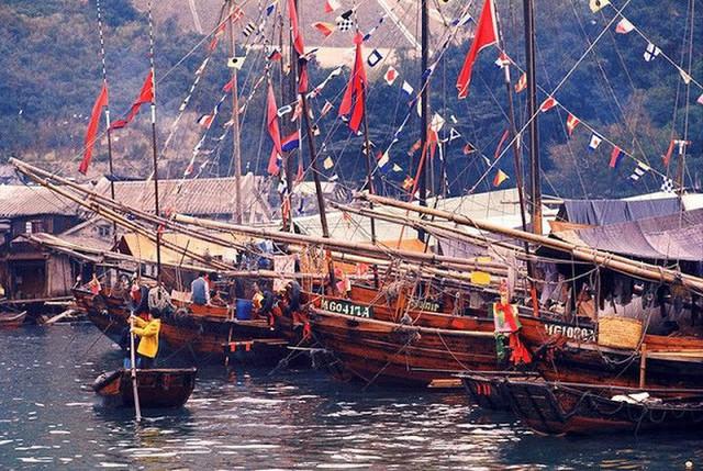 Ảnh đẹp về cuộc sống thường ngày ở Hong Kong những năm 1970 - Ảnh 12.