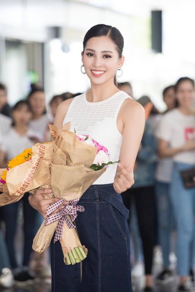 Vừa về đến quê nhà, Hoa hậu Tiểu Vy đã gây sốt với khoảnh khắc khoe dáng chuẩn - Ảnh 3.