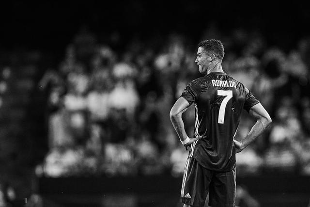 đầu tư giá trị - photo 6 15378672344541423769793 - Sau những giọt nước mắt vinh quang, giờ là lúc Ronaldo rơi lệ vì bất lực