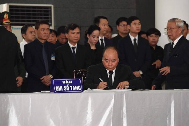 Lễ viếng Chủ tịch nước Trần Đại Quang - Ảnh 22.
