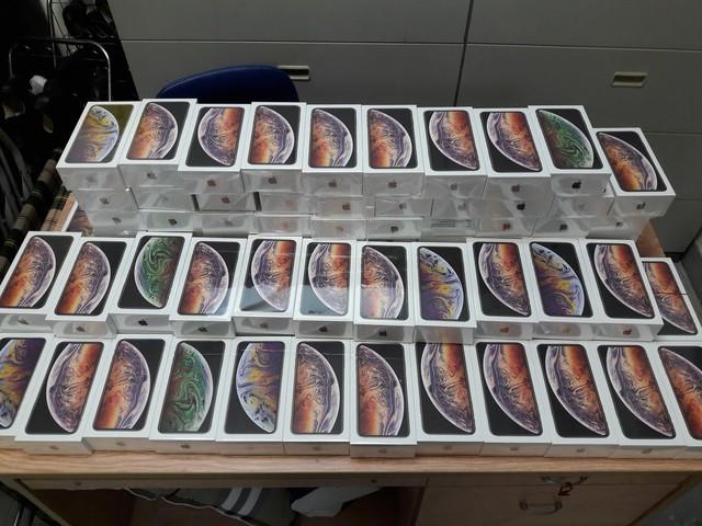 Hải quan Tân Sơn Nhất bắt giữ lô hàng hơn 250 iPhone, trị giá gần 7 tỷ đồng - Ảnh 4.