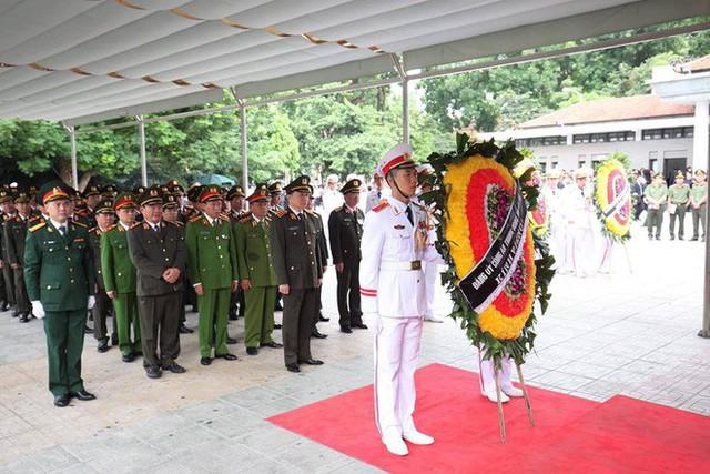 Lễ viếng Chủ tịch nước Trần Đại Quang - Ảnh 45.