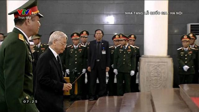 Lễ viếng Chủ tịch nước Trần Đại Quang - Ảnh 57.