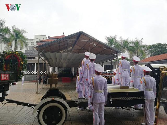 Hình ảnh cỗ linh xa đưa linh cữu Chủ tịch nước Trần Đại Quang về đất Mẹ - Ảnh 13.
