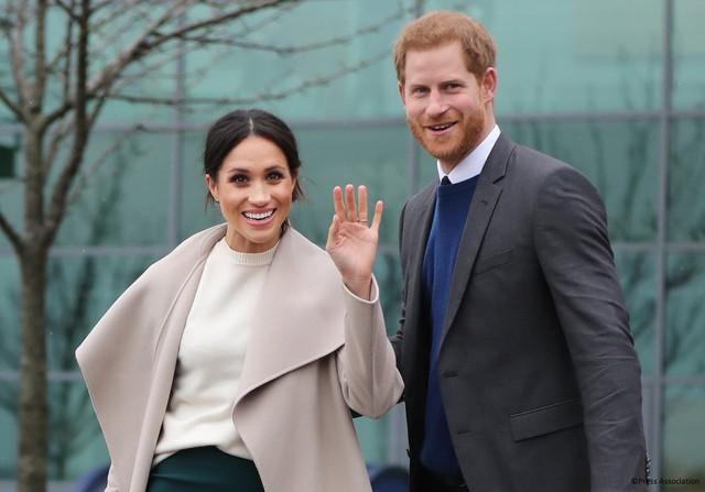 Được phong tước hiệu Công nương xứ Sussex sau hôn lễ Hoàng gia, thế nhưng Meghan Markle hóa ra chưa tới thăm vùng đất này bao giờ - Ảnh 2.