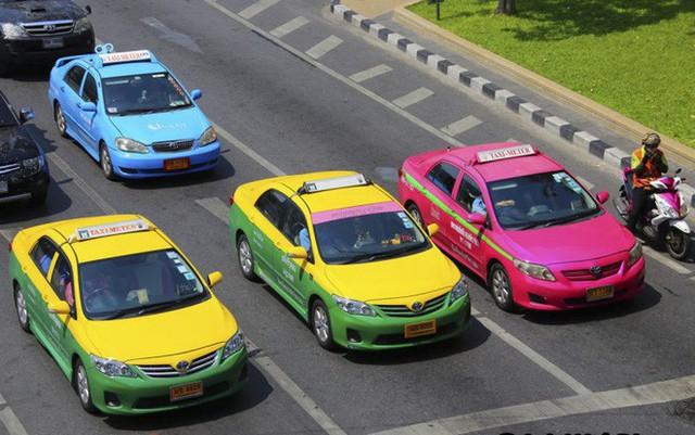Tại sao taxi thường được sơn màu vàng? - Ảnh 2.