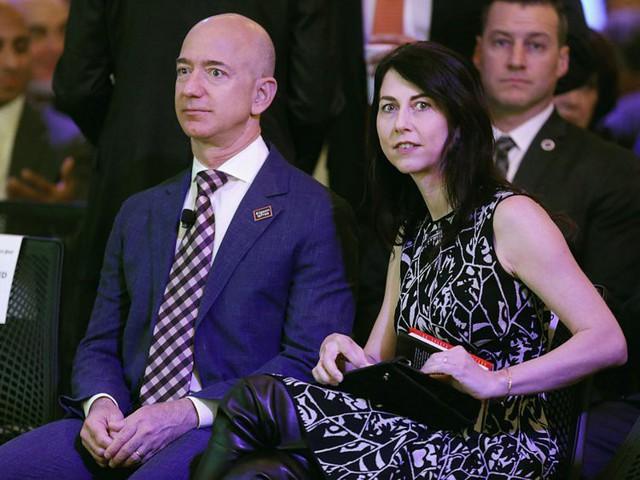 Giàu nhất thế giới, Jeff Bezos vẫn rửa bát sau mỗi bữa tối - Ảnh 2.