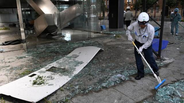 Hình ảnh có thật, nhìn như ngày tận thế trên phim: siêu bão Jebi lớn nhất trong 25 năm qua đổ bộ vào Nhật Bản - Ảnh 9.