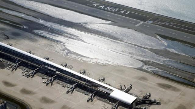 Hình ảnh có thật, nhìn như ngày tận thế trên phim: siêu bão Jebi lớn nhất trong 25 năm qua đổ bộ vào Nhật Bản - Ảnh 10.