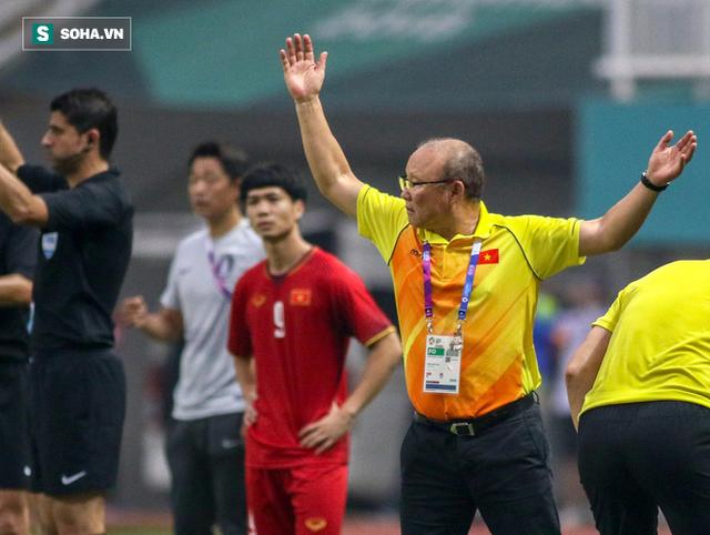 Báo Hàn Quốc ngạc nhiên với mức lương của HLV Park Hang-seo tại Việt Nam
