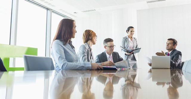 """Các CEO sử dụng thời gian của mình như thế nào? Phần 3: """"Bể cá"""" phòng họp - Ảnh 3."""