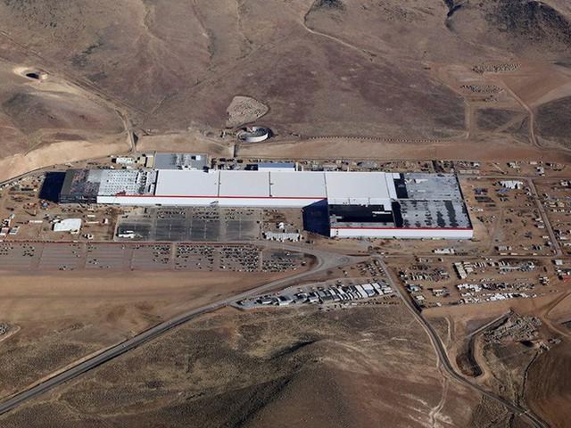 Bức tranh toàn cảnh kinh hoàng 42 nhân viên Tesla vẽ nên về cuộc sống và làm việc dưới trướng Elon Musk - Ảnh 1.