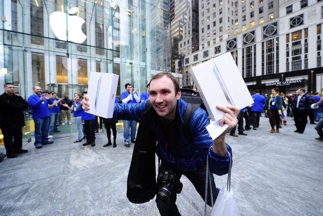 Cách Steve Jobs tạo nên đế chế Apple đẳng cấp nhờ một câu hỏi khác biệt trong tư duy mà ít người biết đến - Ảnh 1.