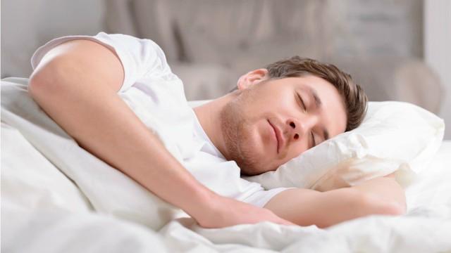 Uống nước chanh, tìm những mối quan hệ lành mạnh hay ngủ đủ giấc: Đây là những bí mật về thói quen sẽ giúp bạn thành công! - Ảnh 2.