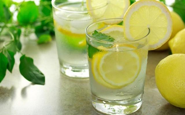 Uống nước chanh, tìm những mối quan hệ lành mạnh hay ngủ đủ giấc: Đây là những bí mật về thói quen sẽ giúp bạn thành công! - Ảnh 1.