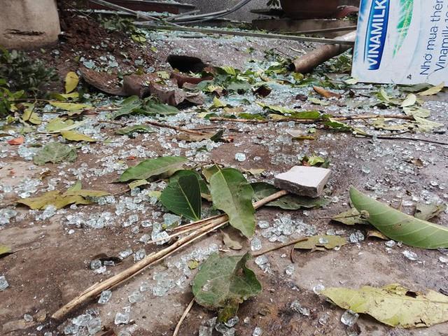Bắc Ninh: Sức công phá của vụ nổ khủng khiếp đến nỗi tạo ra hố sâu lớn, nhiều cửa kính cường lực cách 200-300 mét vỡ nát - Ảnh 2.
