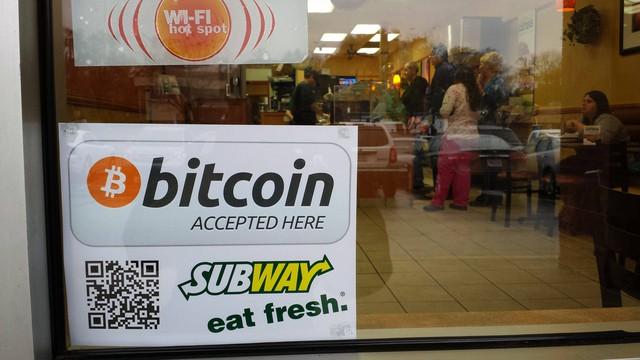 Vì sao Bitcoin đắt đỏ nhưng chẳng mấy ai tiêu loại tiền này? - Ảnh 2.